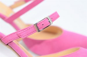 High Heels aus pinkem Leder mit Perl-Schimmer Effekt